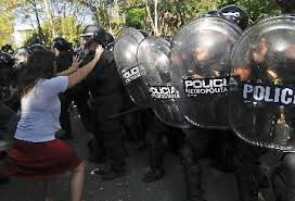 represión en el Borda